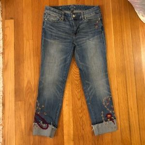 Embroidered White House Black Market Jeans size 4P